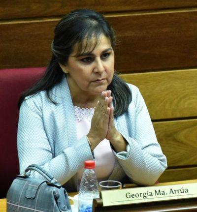 Senadora lamenta 'criminalización' de menores tras fiesta de su sobrina