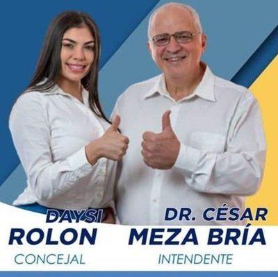 Candidata a concejal de Luque hace proselitismo con lista de beneficiados con pensión del Estado