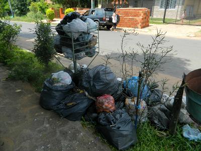 Piden a fiscalía que ubiquen y castiguen a los que tiran basura en seccionales