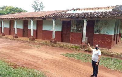 Histórica escuela de San José de los Arroyos  está en riesgo de derrumbe