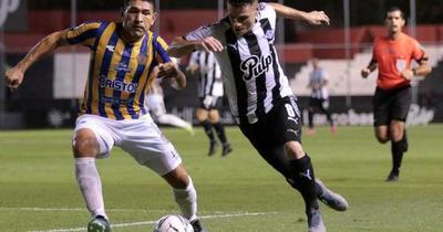 Libertad: único líder del Torneo Apertura