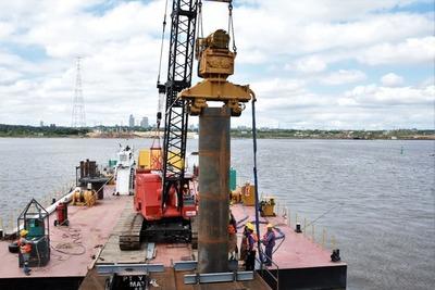 Inician colocación de los pilotes para obras del Puente Héroes del Chaco
