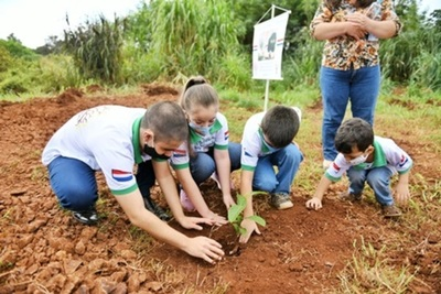 """Implementan campaña de arborización """"Heñói"""" en áreas de la biósfera"""
