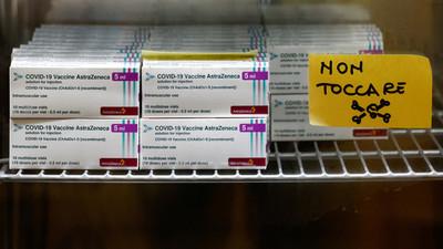 Aparecen 30 millones de dosis de Astrazeneca escondidas en Italia