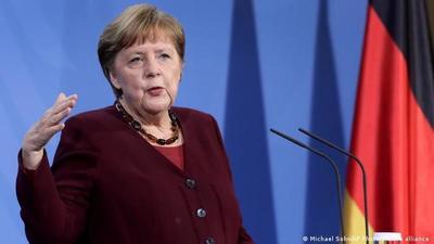 Angela Merkel da marcha atrás a la cuarentena estricta y asume su error