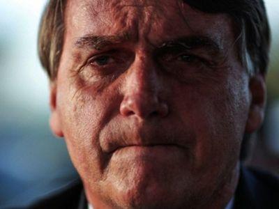 Bolsonaro intenta transmitir tranquilidad y garantiza vacunas