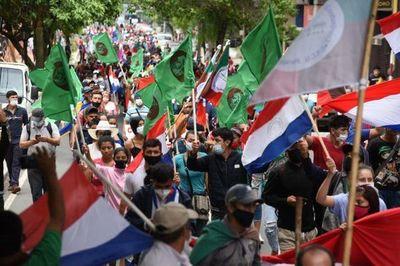Campesinos afirman que marcha continuará hasta que Marito y Velázquez se vayan