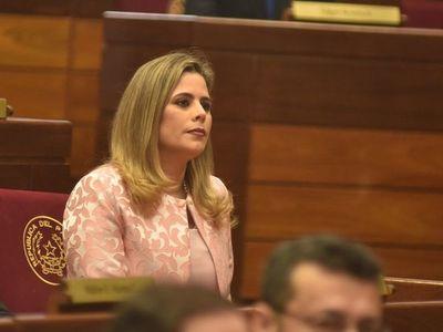 Kattya González denuncia amenaza de violación por parte de un empresario