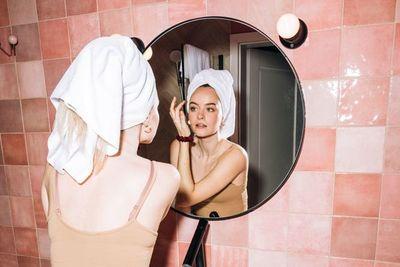 ¿Cuál es el mejor ingrediente para combatir el acné en pieles sensibles?
