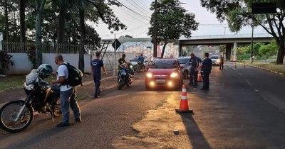 La Nación / Controles en Foz hicieron volver a 800 paraguayos por no tener PCR negativo