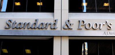 """S&P rebaja la calificación de Chile y prevé una """"debilidad estructural"""" económica"""