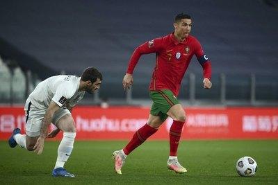 Ajustado triunfo de Portugal sobre la débil Azerbaiyán