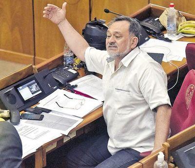 Dirigentes de base apoyan pedido de expulsión de Sixto Pereira
