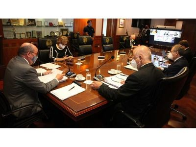 Contraloría investiga a  ministros de Corte por denuncia anónima