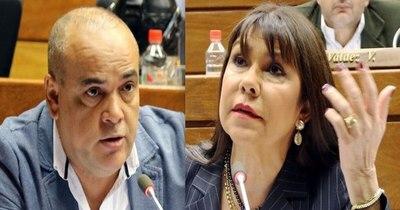 """La Nación / """"Bachi"""" denuncia incoherencias de su colega Celeste Amarilla"""