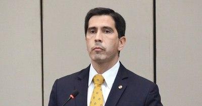 La Nación / Por falta de votos en el Senado, González reasume como asesor