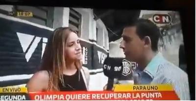 Desopilante: periodista mete la pata al no reconocer a esposa de Santa Cruz (video)