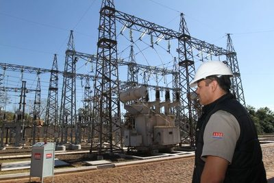 Con nueva línea la Ande suministra energía confiable a 3.000 usuarios de Canindeyú y San Pedro