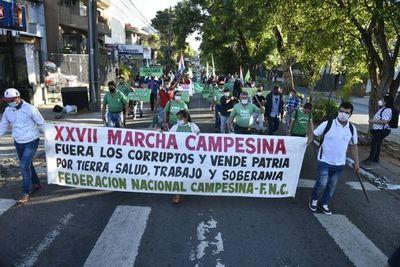 Campesinos se movilizan en Asunción y varios otros puntos del país