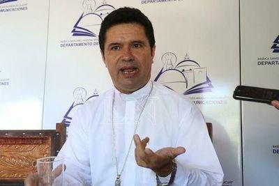 """En reunión con obispos, presidente justificó su silencio: """"Todo está en la página web del gobierno"""""""