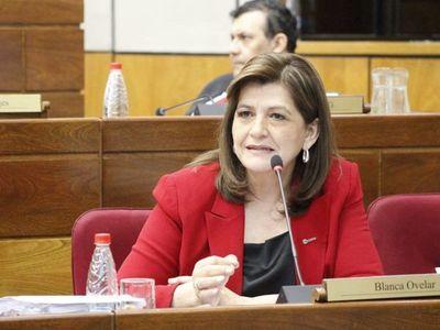 """Para senadora, Mario Abdo no da la cara porque """"está quebrantado"""""""