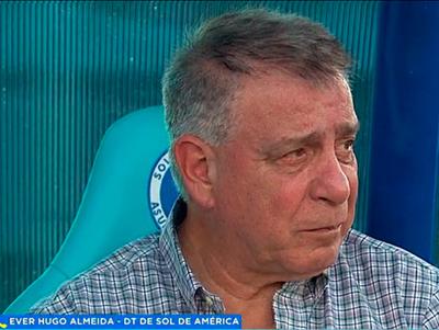 Éver Almeida, hablando en Primer Turno