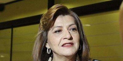 """El presidente está """"quebrantado""""; por eso nomás no aparece, según senadora Ovelar"""