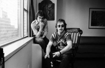 """Elton John cumple 74 años con el lanzamiento de """"Jewel Box digital"""""""