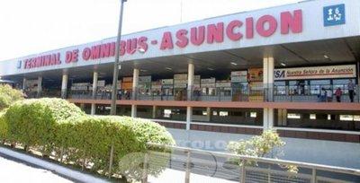 """Aumento de pasajeros en la Terminal de Asunción: """"La gente esta adelantando los viajes"""""""