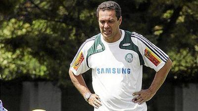 Nueva regla pone límites a cambios de entrenadores en los clubes brasileños