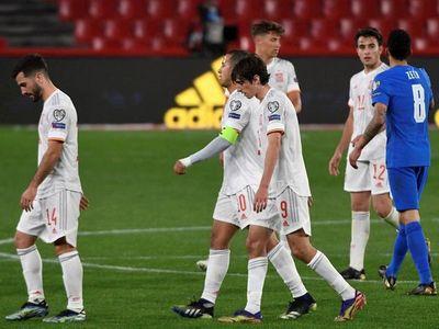 España empata, Alemania e Inglaterra golean e Italia cumple