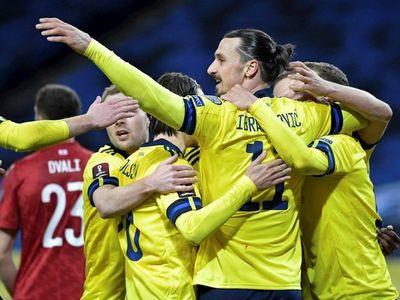 Claesson da el triunfo a Suecia en la vuelta de Ibrahimovic