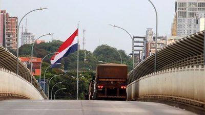 Aseguran que cerrar o no las fronteras es lo mismo, teniendo en cuenta que la cepa brasileña ya circula en el país