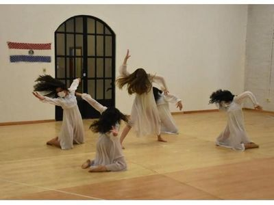 Paraguayos ganan concurso internacional de danza