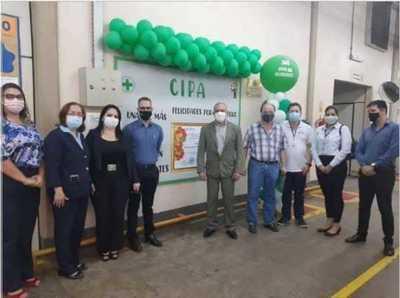Otorgan reconocimiento a tabacalera por no registrar accidente laboral en su establecimiento