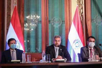 Abdo Benítez pidió posición firme para la obtención de más vacunas para la región