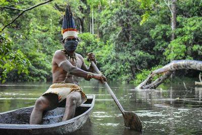 Porqué los pueblos indígenas son los mejores guardianes de bosques en América Latina