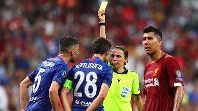 Mujeres árbitros dirigirán juegos de eliminatorias europeas