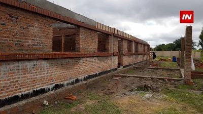 AVANZA SIN CONTRATIEMPOS CONSTRUCCIÓN DE USF EN YACAREY- CARMEN DEL PNÁ