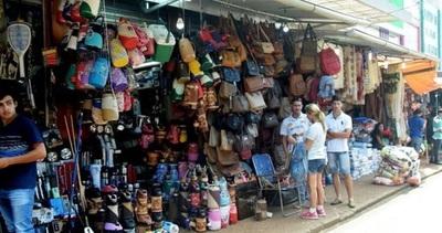 Mesiteros de Alto Paraná solicitan a fiscal seguir trabajando