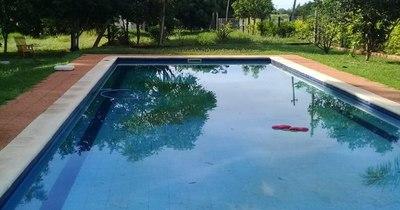 La Nación / Niño de 9 años muere ahogado en una piscina familiar