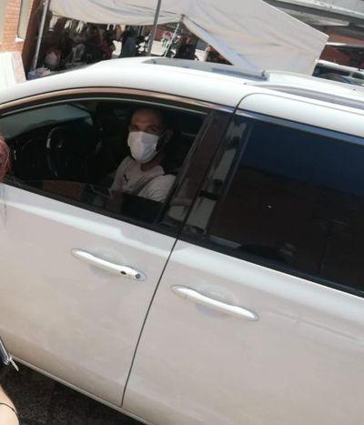 Hospital de Clínicas: Roque se solidariza y dona colchones, víveres y almohadas
