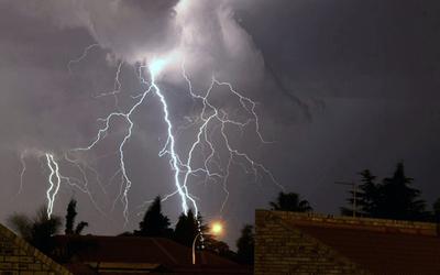 Emiten alerta por tormentas para el sur del país.