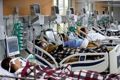 ¿Por qué cada vez más jóvenes mueren de COVID-19 en Brasil?