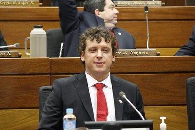 """Diputado """"Nano"""" Galaverna pedirá destitución de cuestionado representante local de OPS/OMS"""