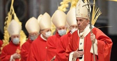 La Nación / El papa celebra segundo Domingo de Ramos en pandemia