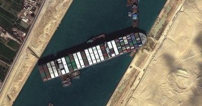 La Nación / El Canal de Suez sigue bloqueado por sexto día