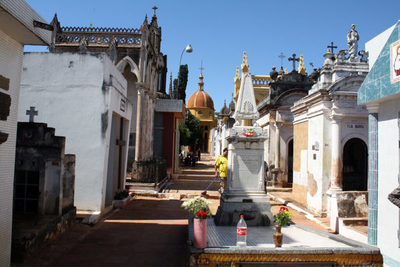 Cementerios de Asunción cierran para visitas a partir del lunes santo