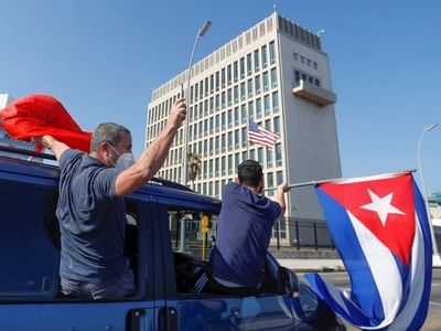 Cubanos piden el fin del embargo de EEUU con una caravana