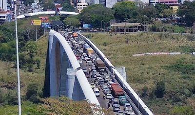 Infectólogos exigen cerrar fronteras, preocupados por variante Covid de Brasil